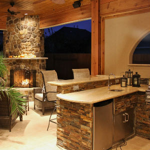 OUTDOOR PATIOS & LIVING SPACES