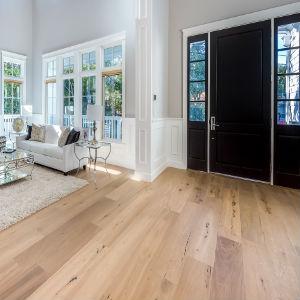 wood flooring landmark construction crew