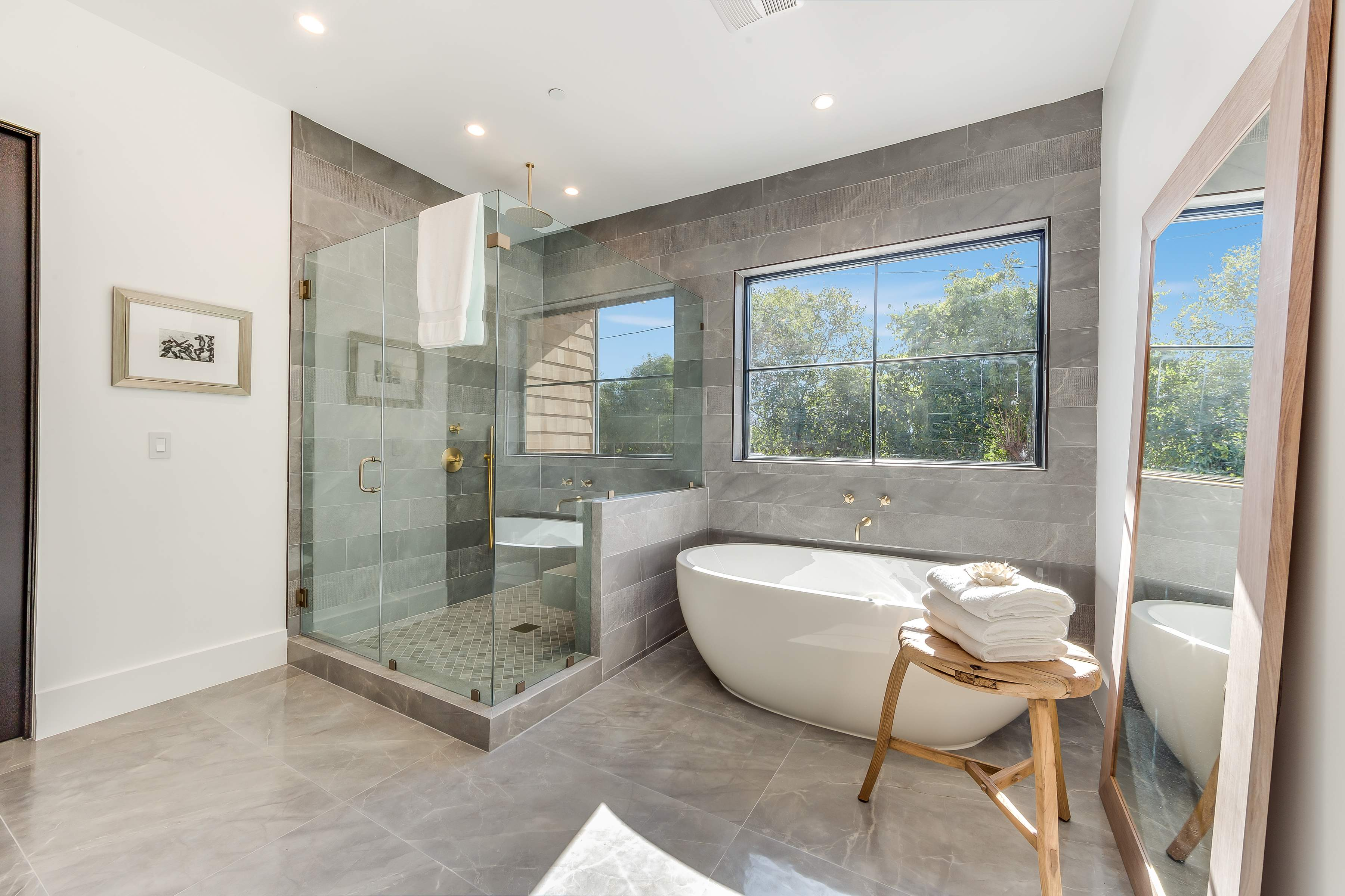 Landmark Construction Crew Bathroom Remodel