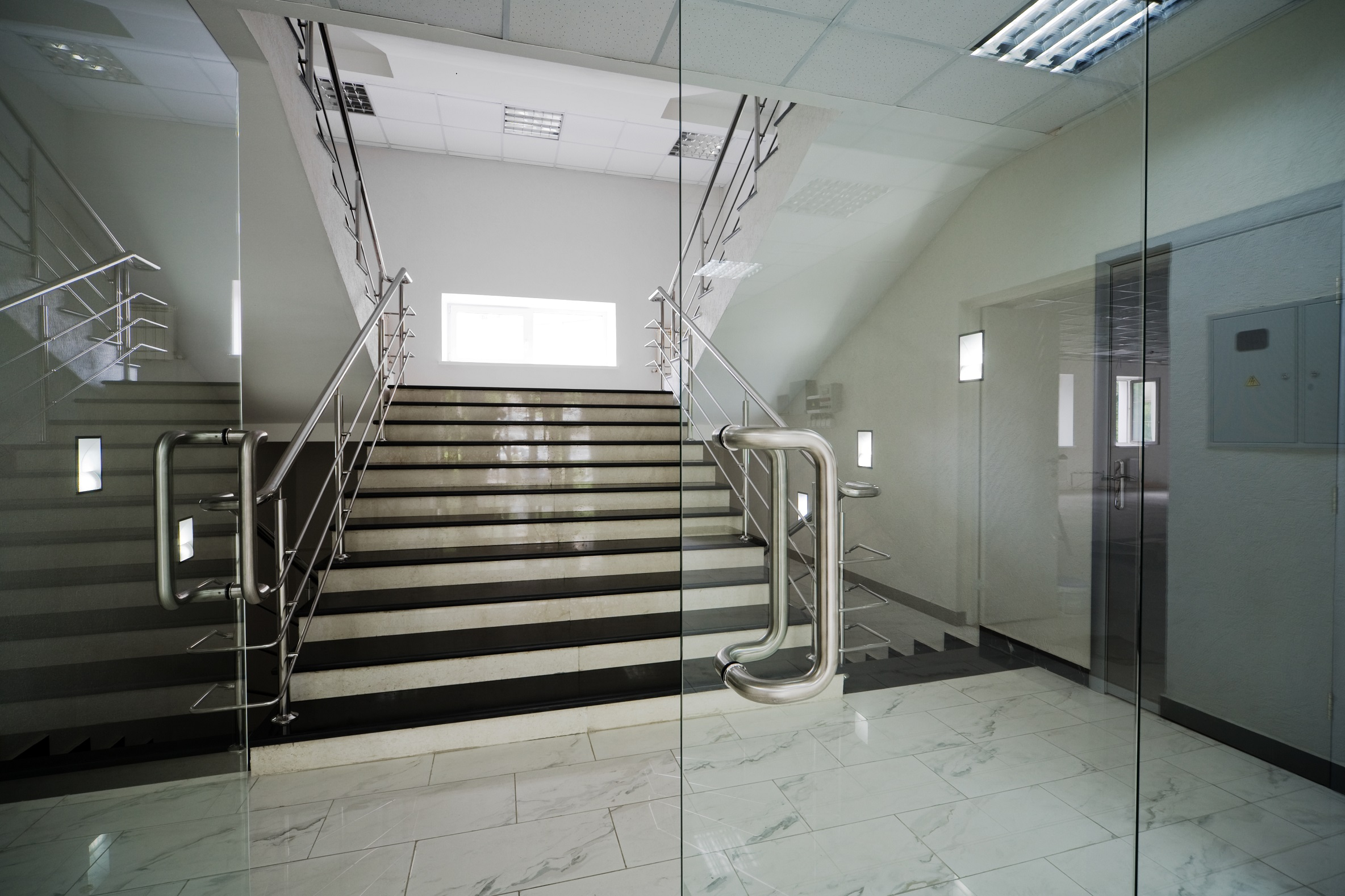 commercial glass in los angeles